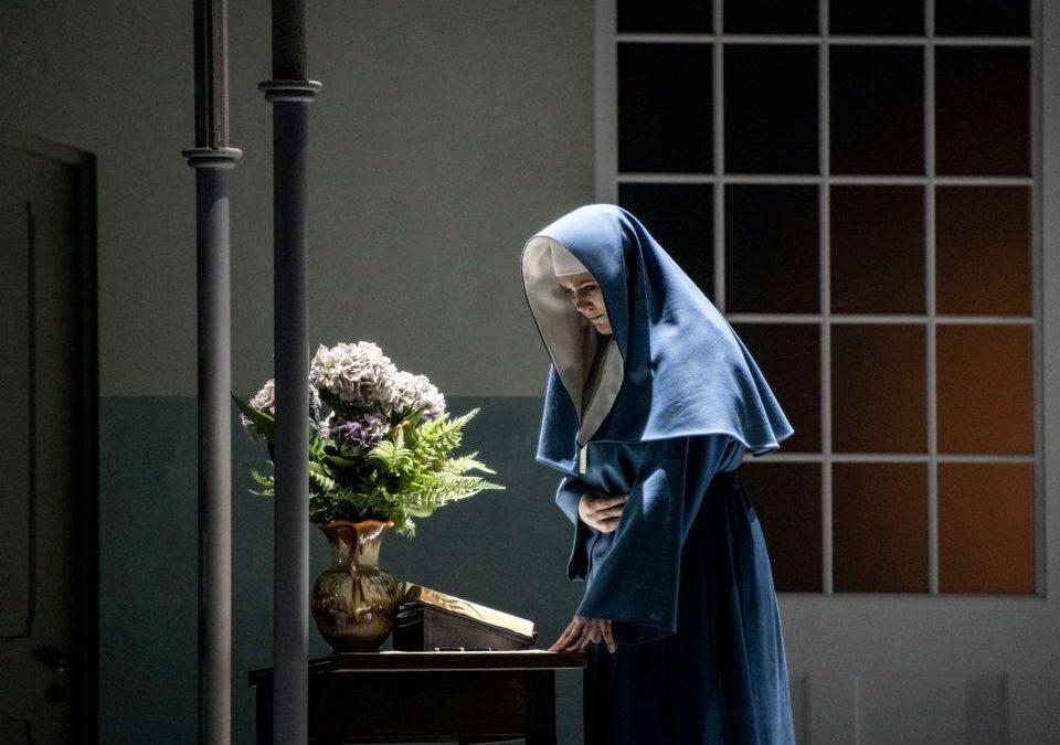 Klosterliv i Operaen